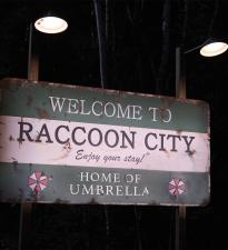 Новый, более подробный синопсис фильма Sony «Обитель зла: Добро пожаловать в Раккун-Сити» подтверждает возвращение к началу истории